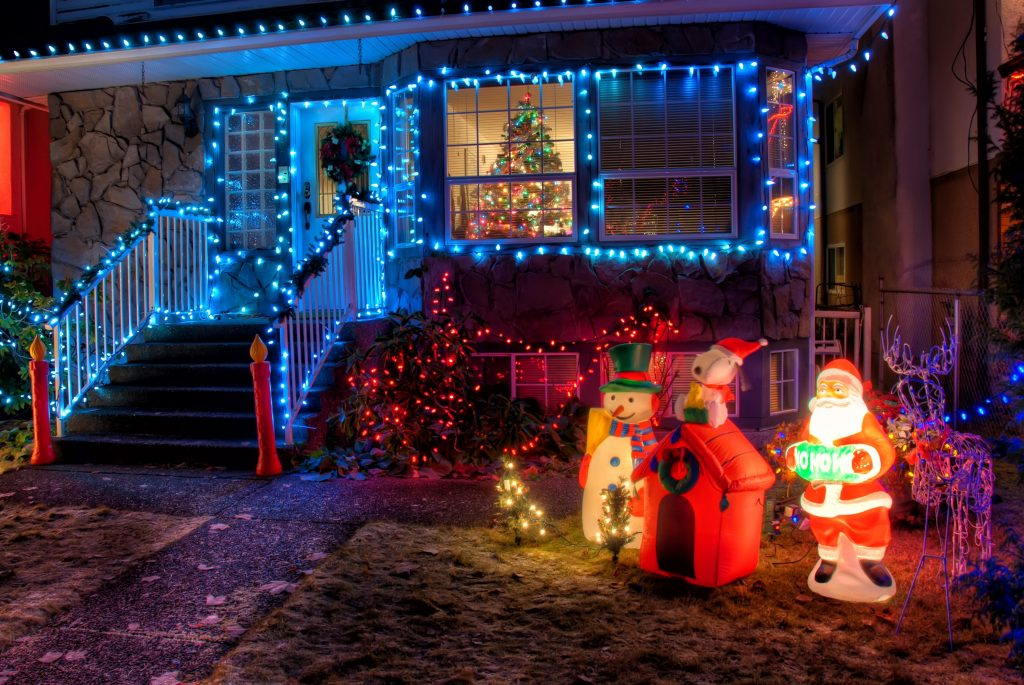 holiday-lights-save-time-money-christmas